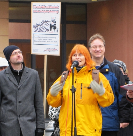 Das Sprechertrio der BI: Bastian Ebert, ich selbst und Ralph Lenkert.