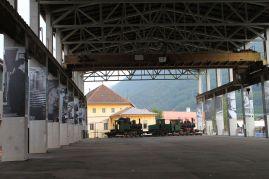 Werkhalle, Stilleben mit Lokomotiven