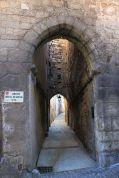 In dieser schmuddeligen Gasse liegt der Eingang zum Garten der Zauberin.
